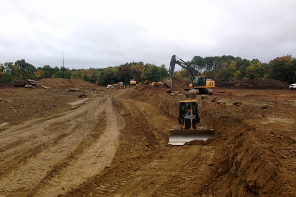 Franklin_Hills_Estates_Country_Club_Pond_excavation